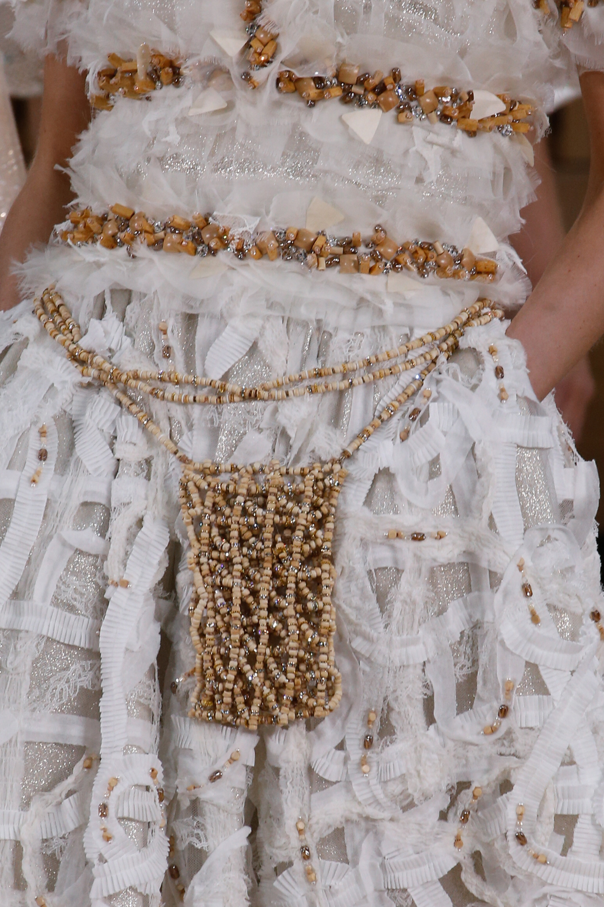 ChanelSS16_Chanel Detail 03