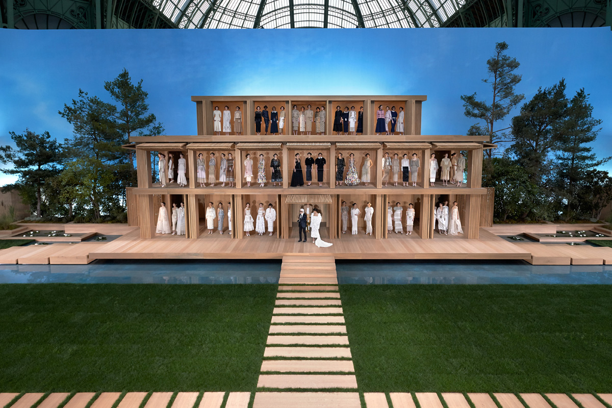 ChanelSS16_House 02 Opened