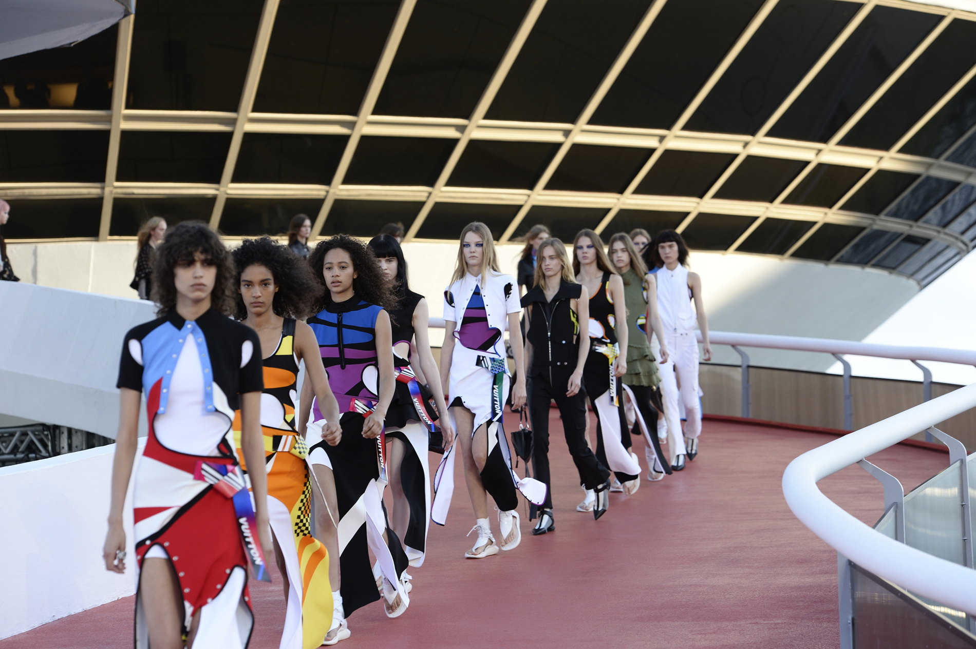 NITEROI, BRAZIL - MAY 28:  Models walk at Louis Vuitton 2017 Cruise Collection at MAC on May 28, 2016 in Niteroi, Brazil.  (Photo by Fernanda Calfat/Getty Images)
